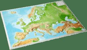 Eine 3D-Reliefkarte von Europa. In diesem Beispiel ist eine Karte ohne zusätzlichen Rahmen abgebildet, die allerdings zum super Redeanlass werden kann.