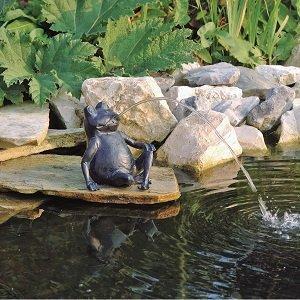 Geschenkideen für Großeltern - Wassersprühfigur Teich