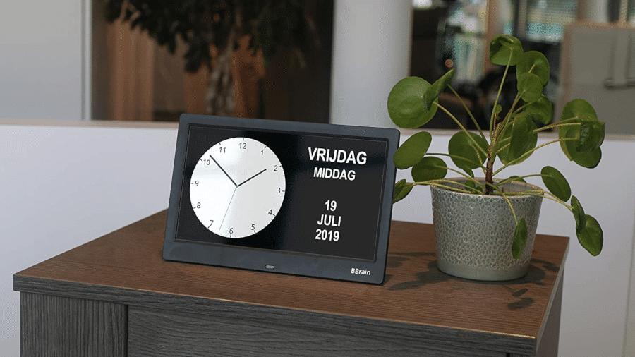 Digitale Kalenderuhr - Geschenk Opa Oma